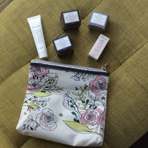 Fresh beauty summer tote and 5 piece set
